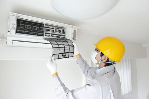 شستشوی پنل داخلی کولر گازی